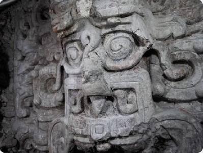 Hace 1600 años, el Templo Maya del Sol nocturno era un faro de color rojo sangre visible a kilómetros de distancia