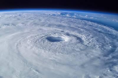 La nube de Oort: El nombre de los huracanes.