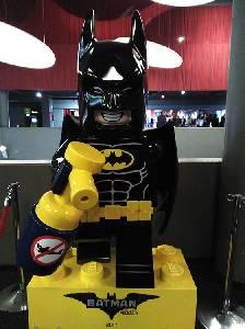 La fabulosa gallina de goma: Costreando con Batman