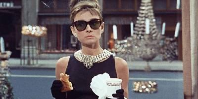 Desayuno con diamantes - Crítica película