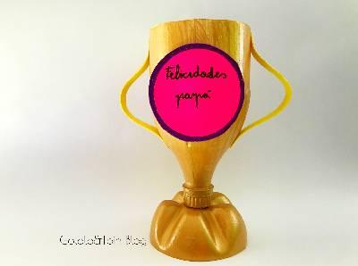 Trofeo con botella de plástico para el Día del Padre - Gololo y Toin: blog de maternidad, educación y niños.