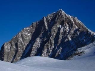 La nube de Oort: Picos no nevados de la Antártida.