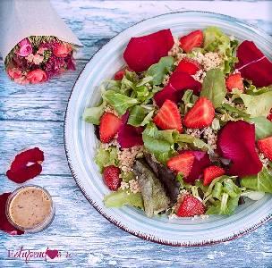 Estupendos 40: Ensalada de quinoa con aliño de pétalos de rosa y matcha