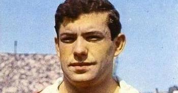 Fútbol Vintage: Antonio Simoes, El Primer Gran Extremo Portugues