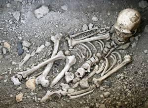 Las prácticas funerarias de los Neandertales 2 – Conoce la Historia