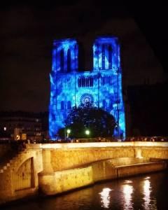 Notre Dame en azul