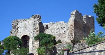 . : Castillos de Castilla: Castillo de Cabrejas del Pinar
