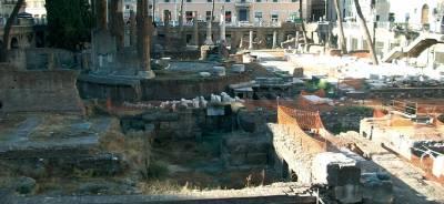 Gatos entre ruinas romanas | Todo para tu Gato