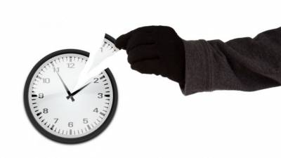 5 ladrones de tiempo que te impiden llegar a todo y cómo protegerte de ellos
