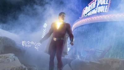 Crítica de ¡Shazam!: DC sigue alzando el vuelo a base de nostalgia y humor