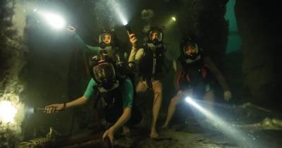 A 47 Metros 2; Tiburones en la oscuridad