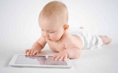 ¿Es bueno que mi bebé juegue con el móvil? ⋆ Gabis. es
