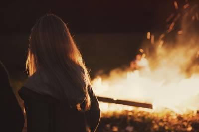 Noche de fuego (relato de febrero para el #OrigiReto2019)