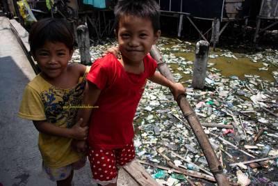 Vivo sobre un mar de basura
