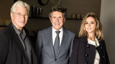 What material join Richard Gere and Alejandra Silva?