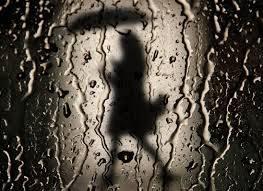 Bajo La Lluvia De NurIa Simarro