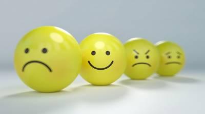 Solo los tontos sonrien sin parar