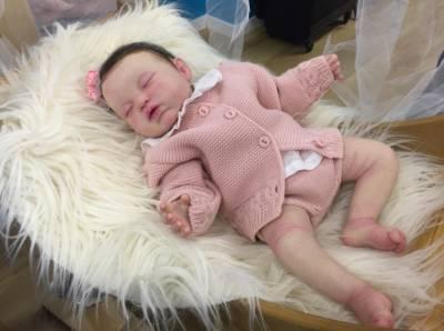 Llega a Madrid la feria 'Dolls and Reborn International Show' con cientos de muñecos bebés hiperrealistas –…