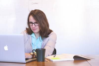 Cómo seleccionar a un redactor SEO para tu blog - Bloguero Pro
