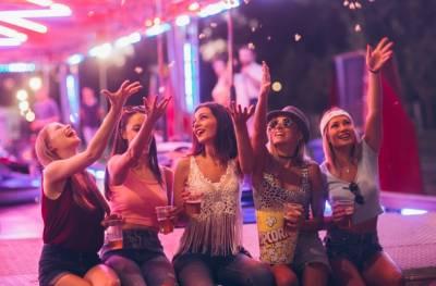¿Cómo organizar una fiesta y ahorrar energía? – blog led your party