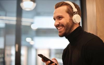 25 canales de podcast dirigidos al emprendimiento
