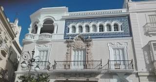 Cadiz y sus elegantes balcones