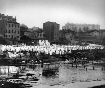 Los lavaderos del Río Manzanares de Madrid , sus lavanderas y el Asilo de Lavanderas