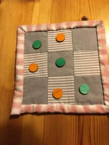 Juego tres en raya patchwork | Trocitos de vida