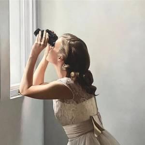 Mirar por la ventana tiene mucho arte en las obras de Shaun Downey