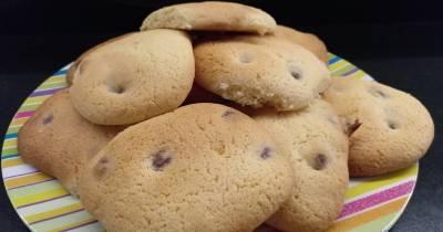 Cocina con peques: Galletas con trocitos de chocolate o lo que la cuarentena te deja