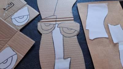 Máscaras africanas en cartón y algo más
