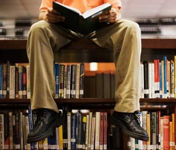 7 facetas de tu vida que pueden mejorar leyendo