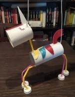 Unicornio marioneta con material reciclable