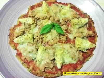 Pizza sin harina de calabacín, alcachofa y atún, en 20 minutos