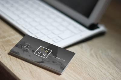 Seleccionar el tipo de papel más adecuado para tus tarjetas de visita