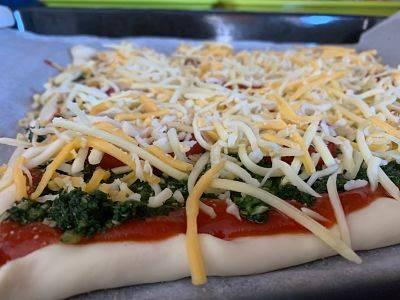 Hojaldre de espinacas, atún y queso - PIZZA HOJALDRADA - MuxisMu