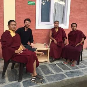 Reportaje #19 - Facundo Flores: Vivir en India y Nepal siendo un argentino budista tibetano