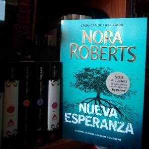 Reseña: Crónicas de la Elegida 3 - Nueva Esperanza de Nora Roberts