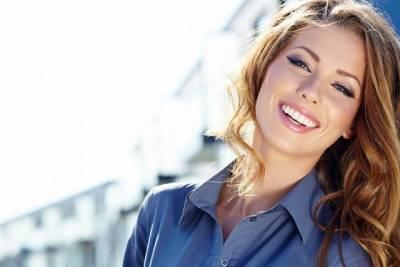 9 Beneficios del blanqueamiento dental - Clínica Dental Dra. Herrero : Clínica Dental Boadilla Majadahonda