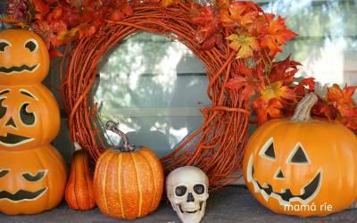 Decorar Puertas de Halloween con Niños puede ser terroríficamente divertido