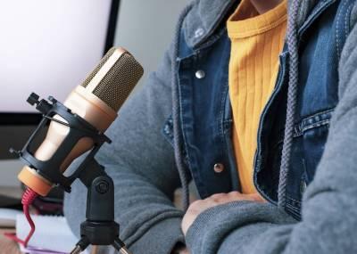 ¿Cómo hacer una entrevista en podcast? Consejos y recomendaciones