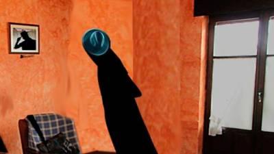 El sombrero en el perchero