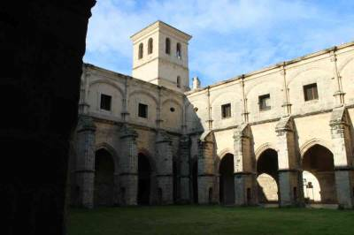 Regreso al Monasterio de la Victoria