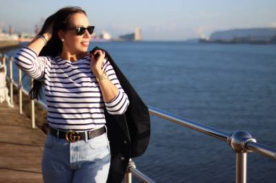 Navy; una propuesta de cómo combinar las camisetas marineras