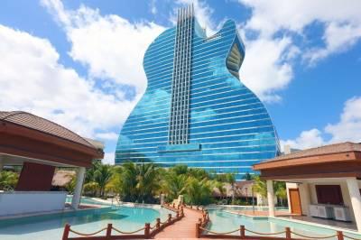 Un hotel con forma de guitarra