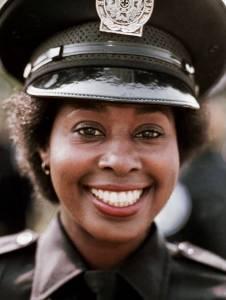 Adiós a Marion Ramsey, Laverne Hooks en Loca Academia de Policia