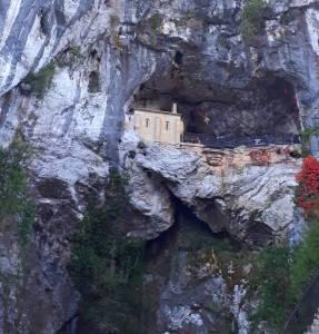 La Sagrada Cueva De Nuestra Señora De Covadonga   Marcosplanet   Descubre La Magia De Viajar