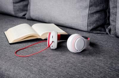 Cómo hacer un audiolibro con tu voz: ¿qué debes saber y cómo hacerlo?