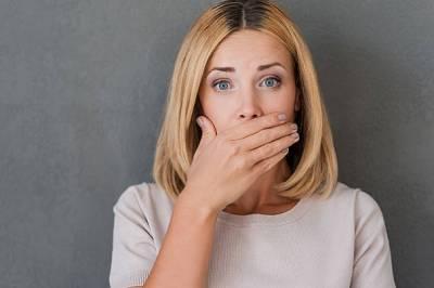 5 causas de la halitosis - Clínica Dental Infante Don Luis : Clínica Dental Boadilla Majadahonda