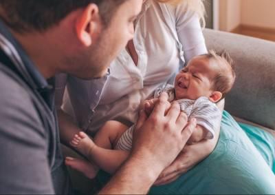 El tratamiento de los cólicos de bebés con fisioterapia